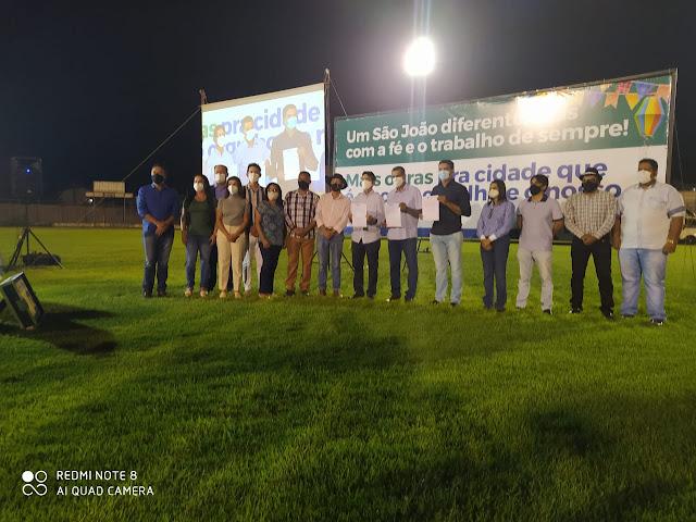 Prefeito Zito assina ordem de serviços para a reformulação total do Estádio Municipal Geraldão