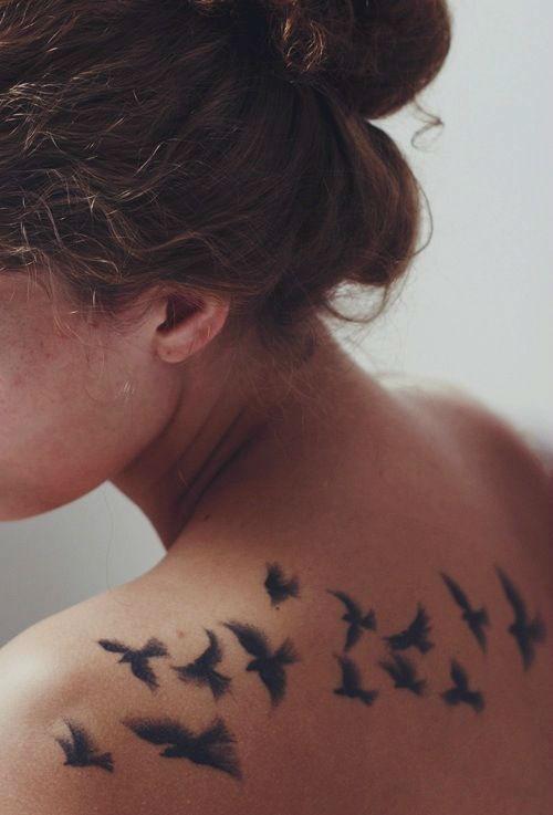 tatuajes para mujeres en la espalda de gaviotas