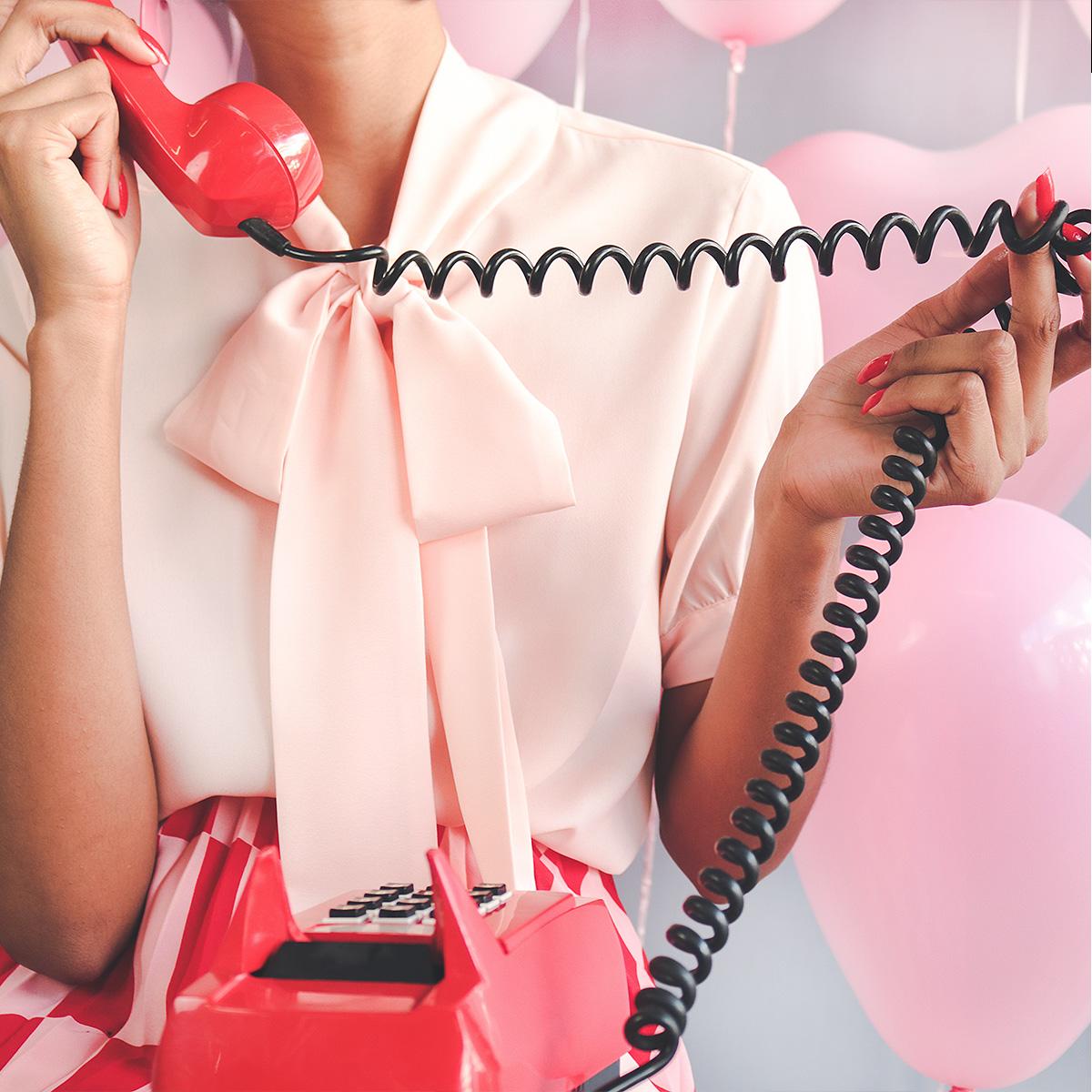 telefone retro tijolo vermelho -red retro phone - selfcare selftime