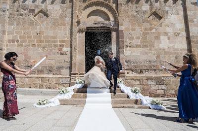 lancio riso sposi