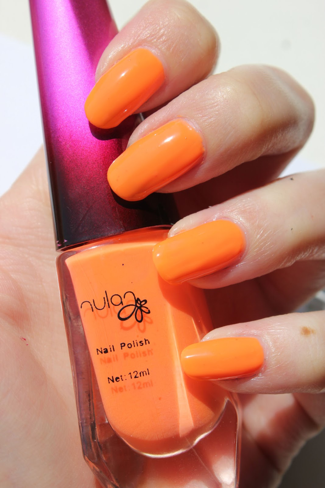 http://lacquediction.blogspot.de/2014/07/namenloses-finnisches-neonorange-von.html