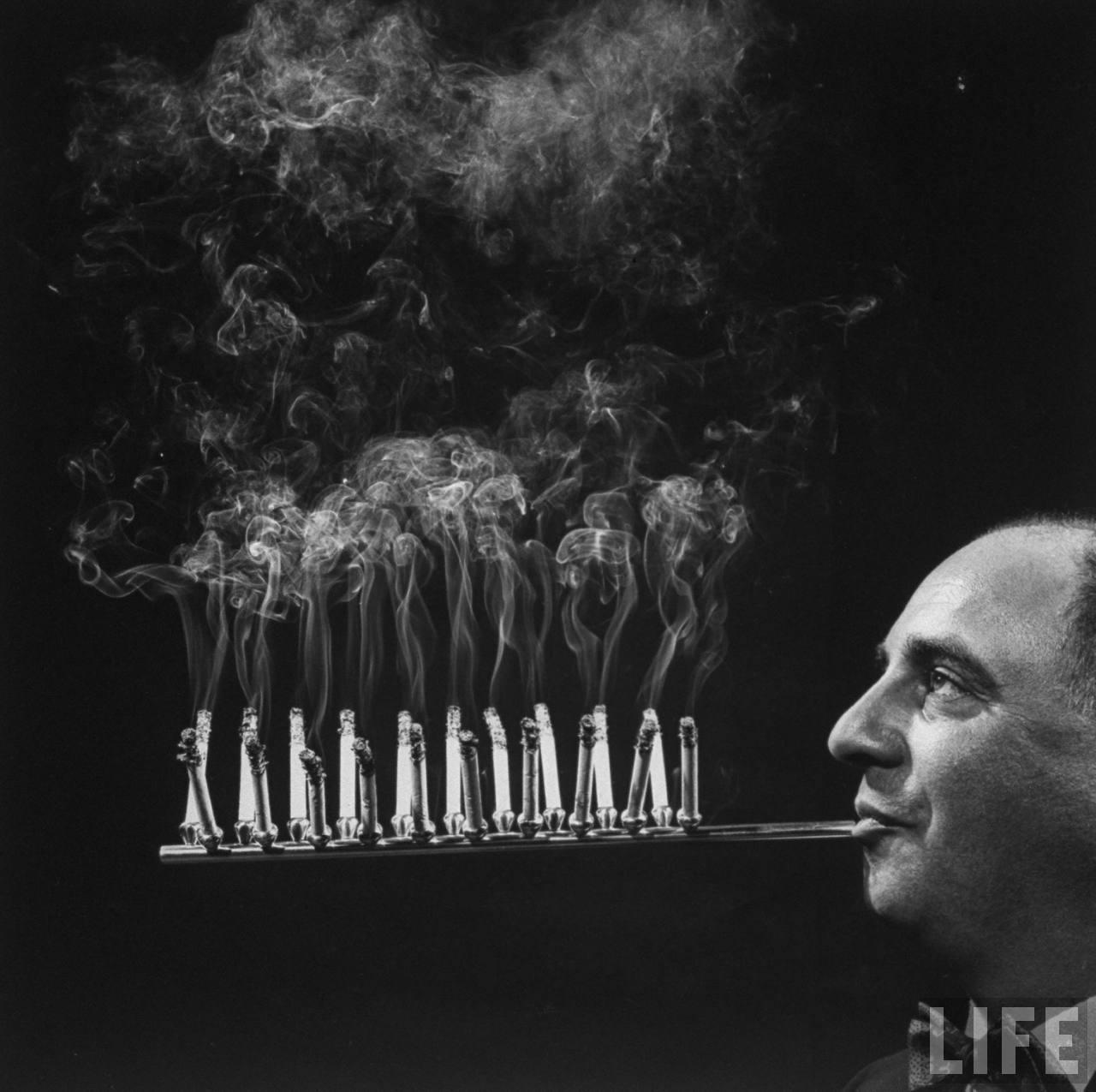 strange-vintage-cigarette-holders-4.jpg