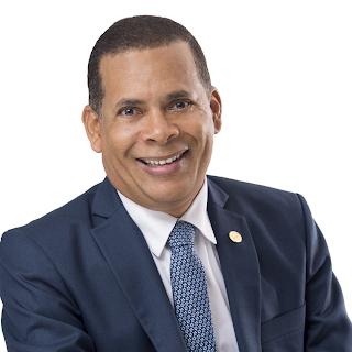 50 años del ingreso dominicano al notariado mundial