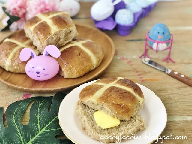 No-knead hot cross buns recipe
