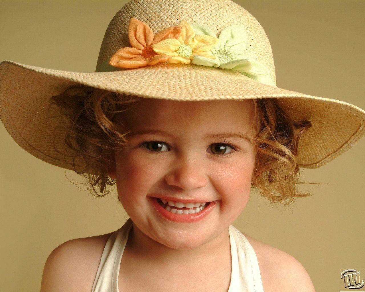 Cute Little Baby Girl With Hat HD Wallpaper | Cute Little ...