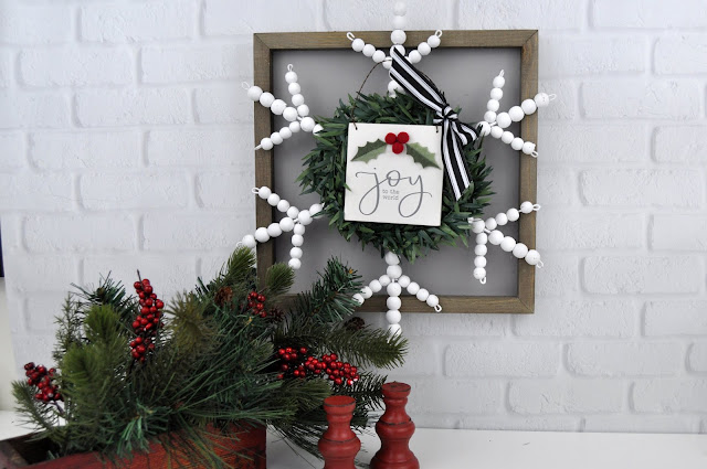 Christmas Snowflake Sign Tutorial by Jen Gallacher for www.jengallacher.com. Project features items from Jillibean Soup and Hobby Lobby. #jillibeansoup #hobbylobby #christmasdiy #christmascraft #christmassign #jengallacher