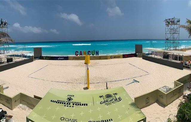 Uma das arenas montadas dentro do Gran Oasis Hotel, em Cancún