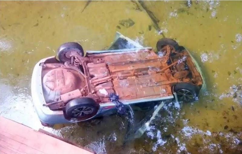 Duas pessoas morrem após carro cair de ponte no Maranhão.