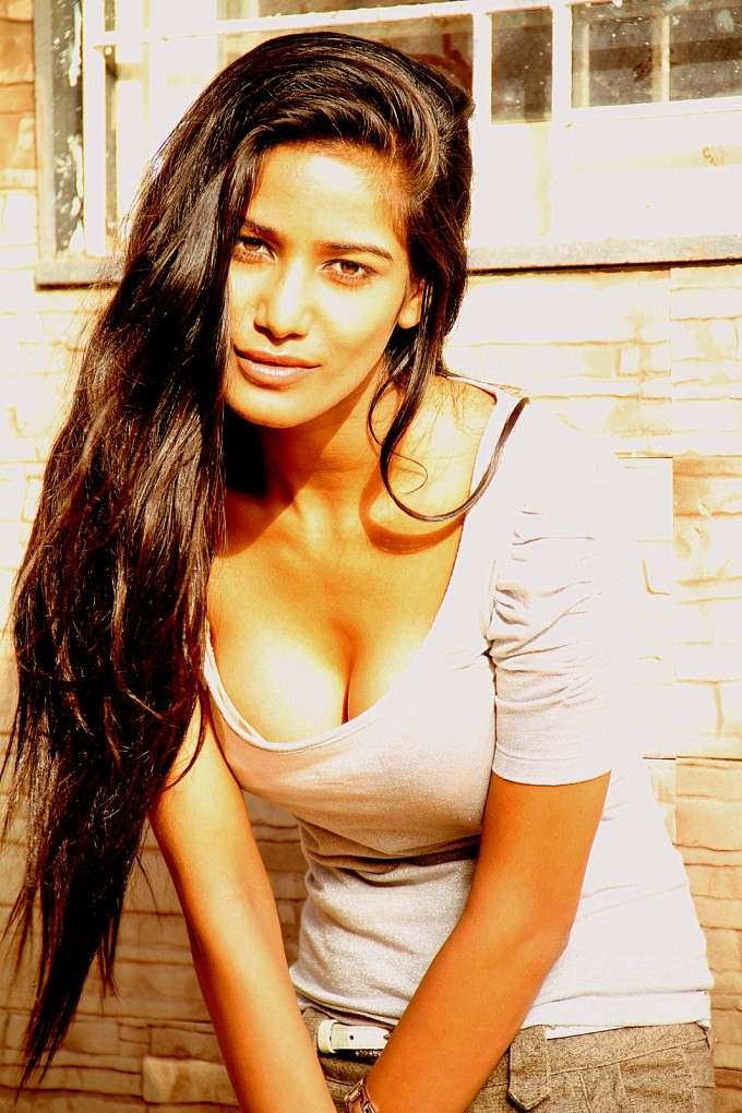 {*Free Download*} Download Poonam Pandey TV APK file Here