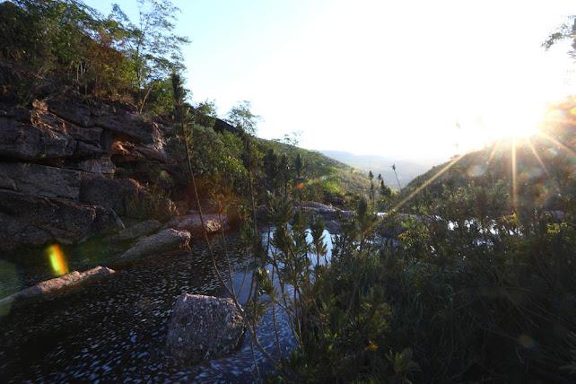 Lindo por do Sol na Cachoeira do Riachinho no Vale do Capão - Palmeiras (Foto Reprodução/www.melhoresdestinos.com.br)