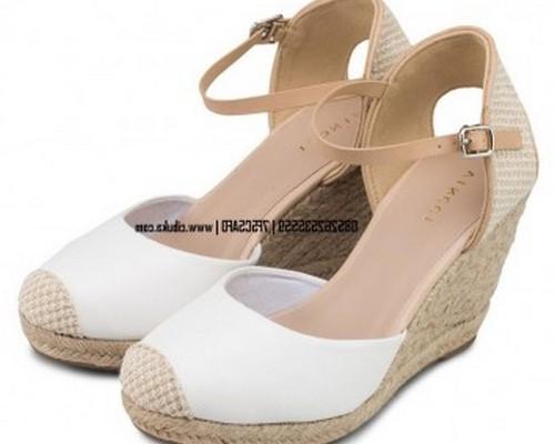 Foto model sandal lebaran terbaru 2017 untuk wanita yang ...