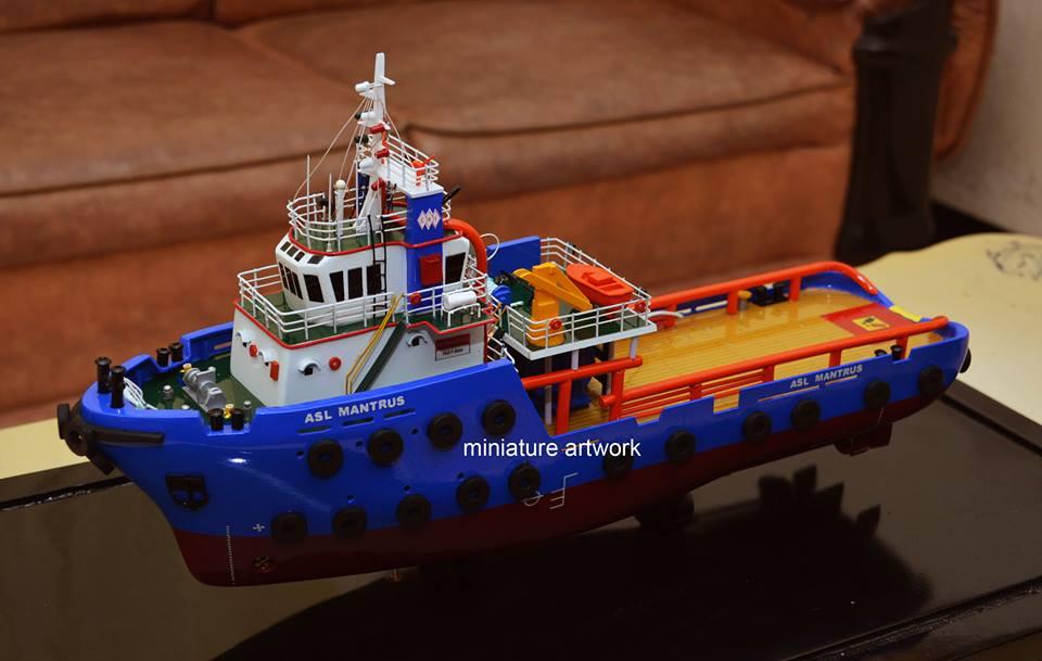 miniatur kapal asl mantrus offshore supply ship ahts anchor handling tug supply samarinda miniatur planet kapal rumpun artwork