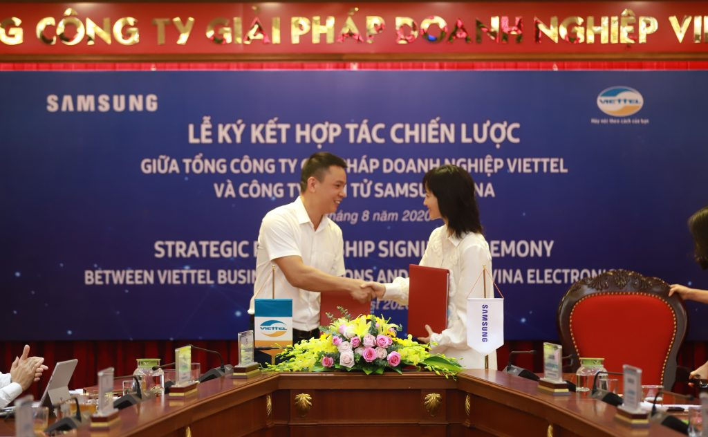 Lễ ký kết hợp tác chiến lược giữa Viettel Solutions và Samsung Vina