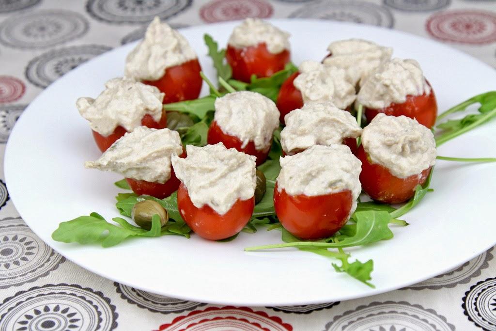 pomidory faszerowane tuńczykiem na zimno