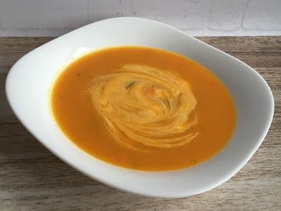 Zupa z dyni ze śmietaną