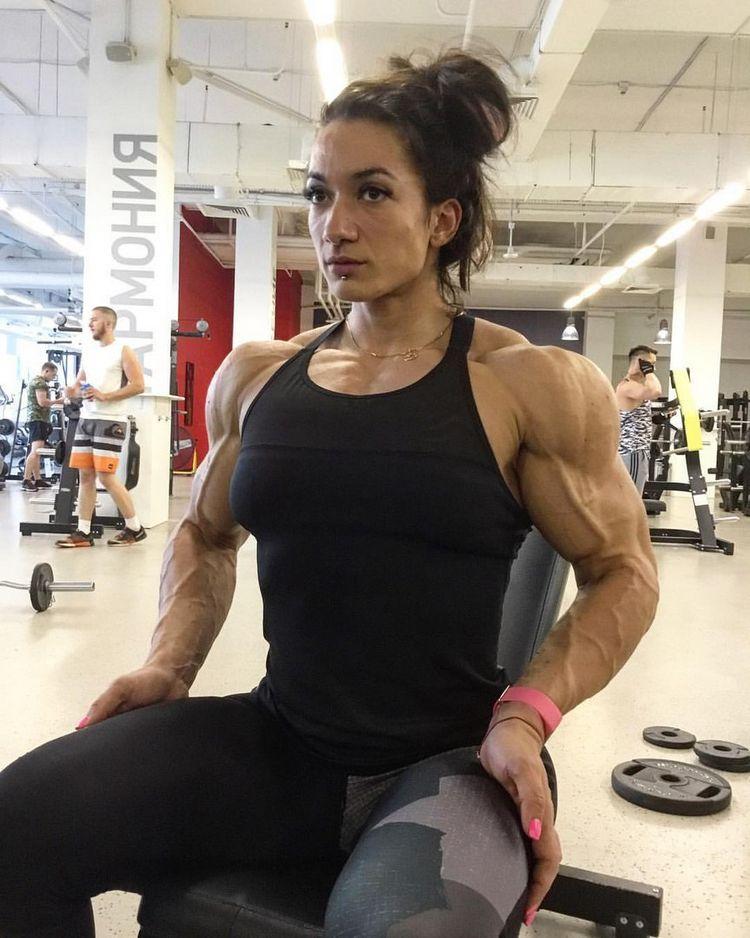 female bodybuilding nude abs