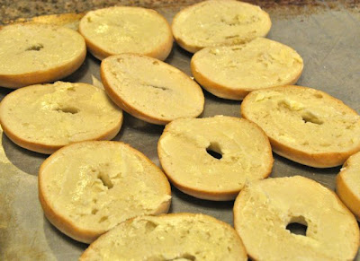 sliced bagels