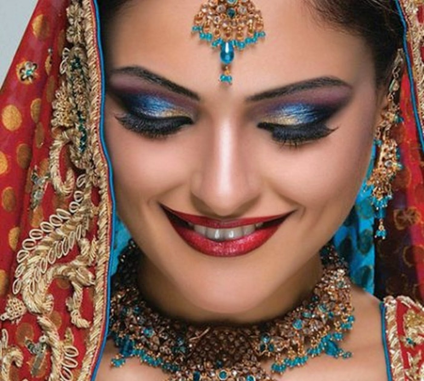 Beautiful And Latest Dulhan Wedding Makeup 2014-2015 Wallpapers