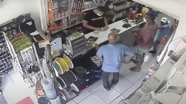 Vídeo: Técnico de enfermagem é esfaqueado durante visita a loja no Centro de João Pessoa