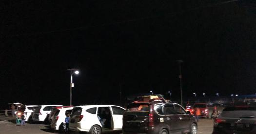 Ratusan Kendaraan Pemudik Ke Selayar, Tunggu Antrian Kapal Fery, Ini Fotonya