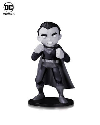 DC Comics Artists Alley Chris Uminga Black & White Variant Statues - Superman