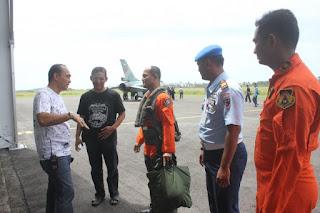 Pilot-pilot yang mengawaki F16 tersebut