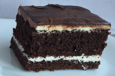 Ciasto kakaowe przełożone serem