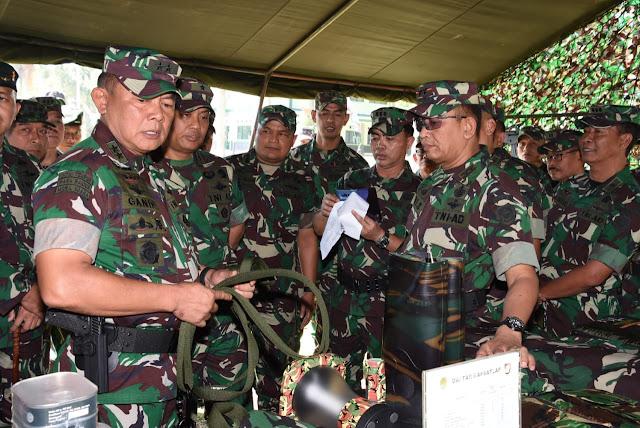 Asops Panglima TNI Inspeksi Kesiapan Satgas Yonif R 300
