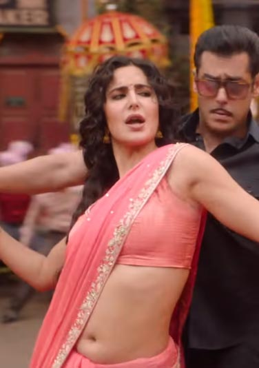 Katrina Kaif navel in saree aithey aa song  bollywood actress