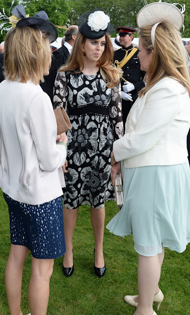 Kate Middleton wore Alexander McQueen ivory dress. Kate Middleton and Prince William attend Garden Party. Princess Beatrice and Princess Eugenie, Queen Elizabeth