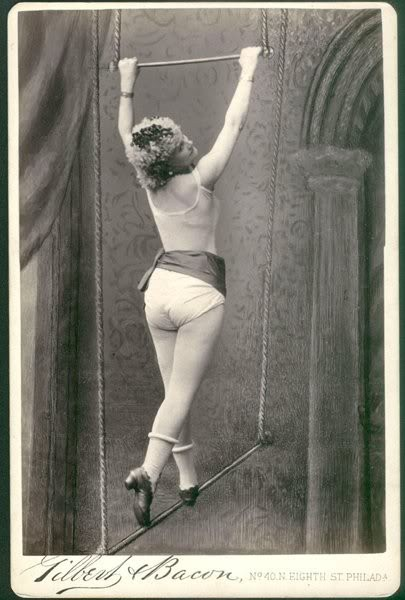 1925 Rolls Royce Phantom >> Vintage Photos of Circus Performers from 1890s-1910s ~ vintage everyday