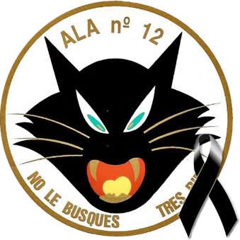 Emblema Ala 12 con lazo negro