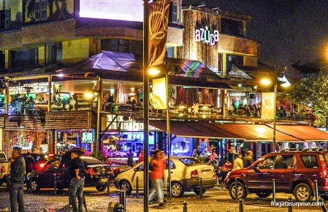 Plaza Foch, local de grande concentração de bares e restaurantes em Quito