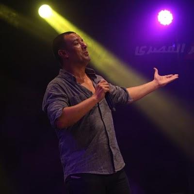 هشام الجخ يشعل مسرح ساقية الصاوي من جديد