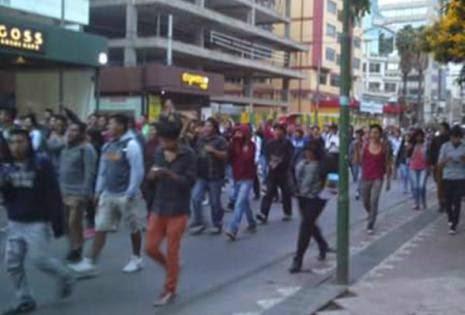 También se marchó en Cochabamba en apoyo a Los Simpson-cochabandido-blog