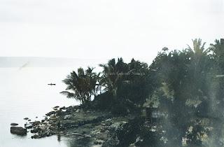 pantai dan nelayan di parapat