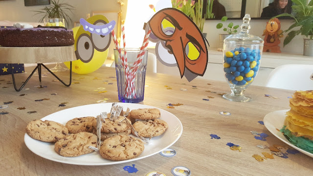 diy-robot-cookie-minion-birthday
