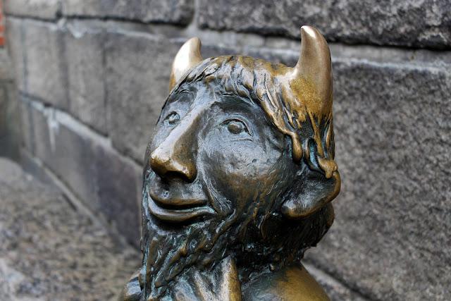Escultura de diablillo