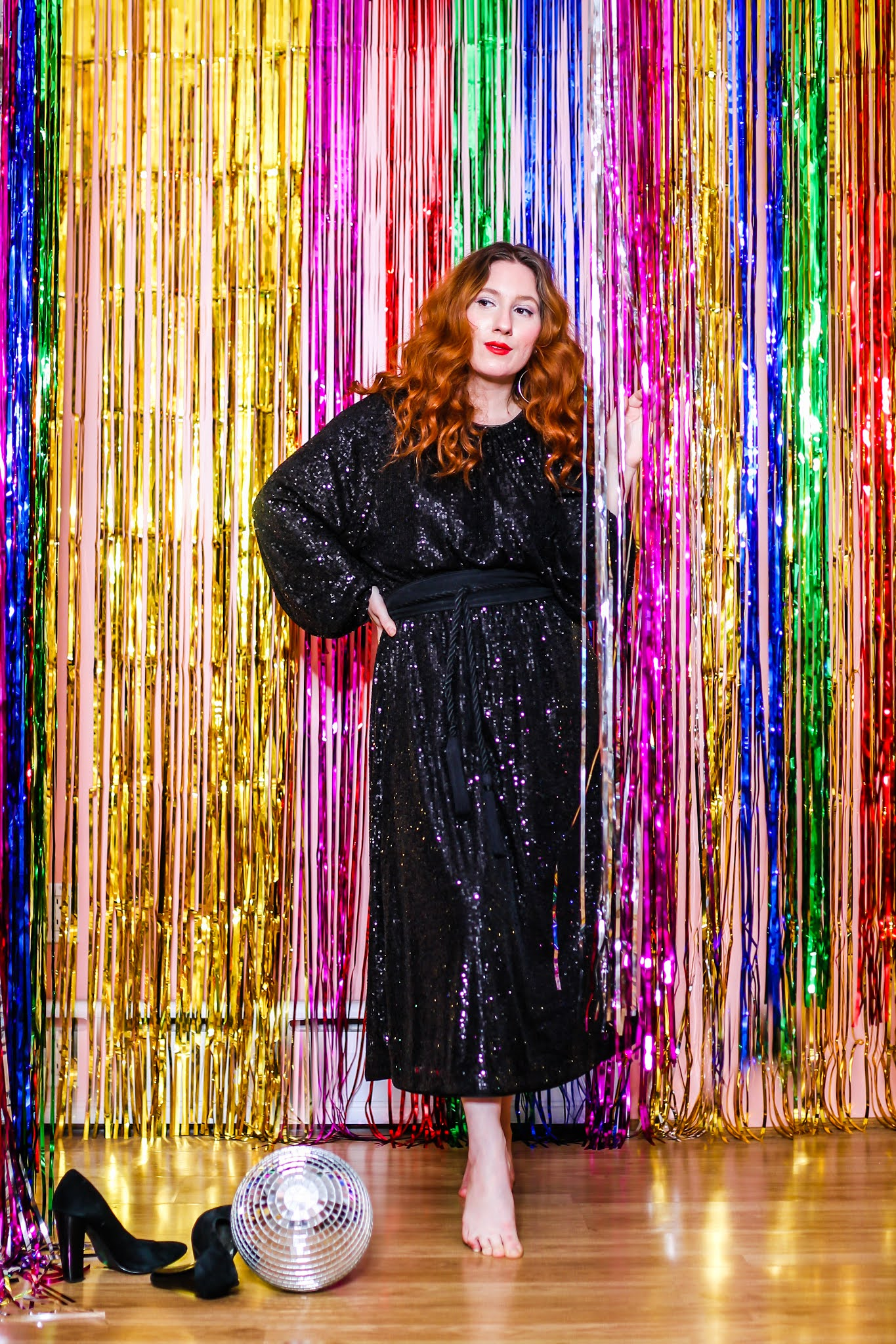 sequin dresses, sustainable sequin dress, h&m holiday 2020 collection , holiday outfits for 2020, holiday party outfit ideas , holiday outfit ideas , glam budget friendly holiday outfit ideas , H&M conscious holiday collection , h&m sequins , h&m sequin dresses , H&M kids holiday outfits , holiday outfit Inspo , sparkling holiday outfits , holiday outfit inspo , holiday party outfit inspo, black sequin dress, black sequin maxi dress, sequin dresses under $50, sequin dresses under $100 for the holidays