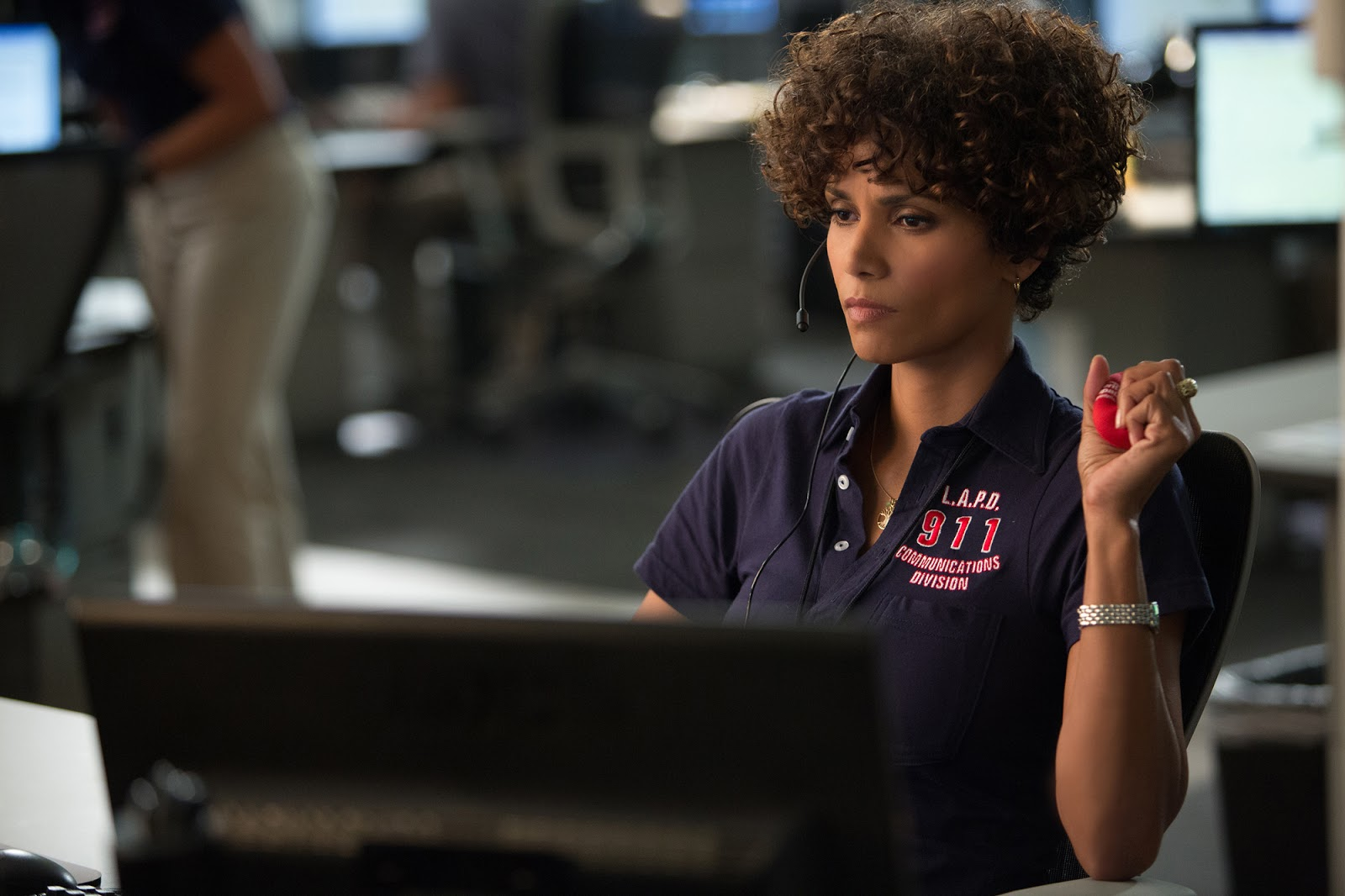 Halle Berry en conversaciones para aparecer en la secuela de 'Kingsman: Servicio secreto'