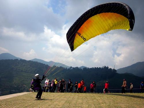 Gie Idea Wahana Tour Paralayang In Puncak Bogor