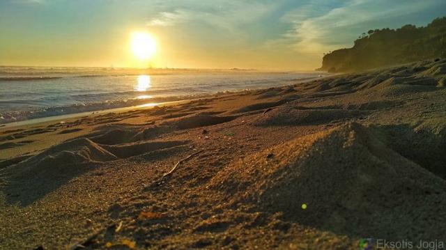 sunset-pantai-sepanjang