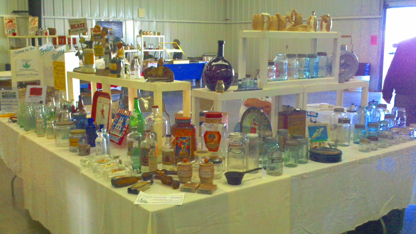 Findlay bottle show findlay bottle club ohio antique for Mansfield arts and crafts show