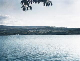 pulau samosir dilihat dari pulau tao