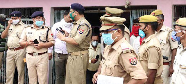 दिनदहाड़े हौसलाबुलंद बाइकर्स बदमाशों ने लूटी आभूषण की दुकान, खाक छानती रह गयी पुलिस | #NayaSaveraNetwork