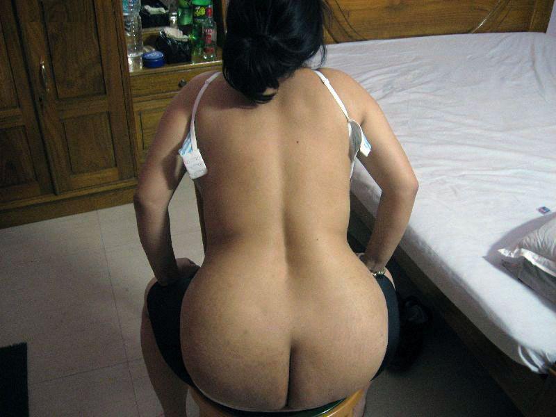 Nude ass Karachi bhabhi hotel room instagram