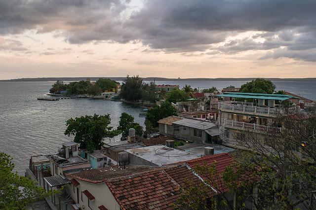 Vue de l'extrémité de Punta Gorda depuis la terrasse du Palacio de Valle