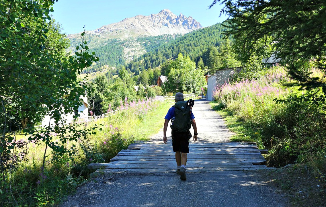 Start along GRP trail from l'Echalp