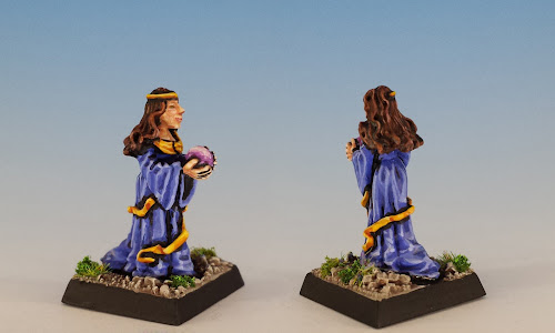 Talisman Prophetess, Citadel Miniatures (1985, sculpted by Aly Morrison)