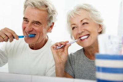 Penyebab Dan Solusi Mengatasi Gigi Sensitif, cara mengobati gigi sensitif, penyebab gigi sensitif, info menarik, info kesehatan, ulasan kesehatan, tips sehat